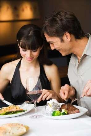 09 - CARNE - Aunque es una cocción que pierde mucha jugosidad, este término es el preferido por la gente que no es aficionada a la carne. Será muy común encontrar este término en platillos con caldos.