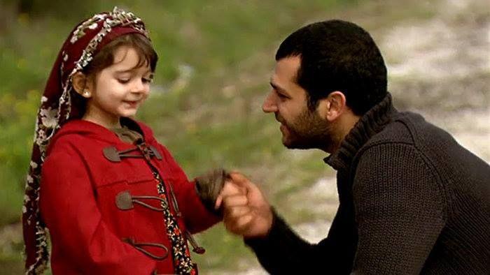 Demir (Murat Yıldırım) a Asya (Çağla Çakar) - seriál Perla Orientu