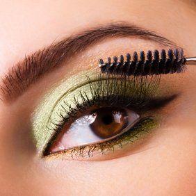 Diese Seite enthält Tipps und Tricks für Mascara. Viele Frauen benutzen Mascara