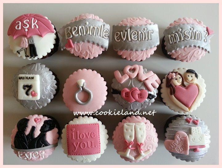 Proposal cupcakes/wedding cupcakes