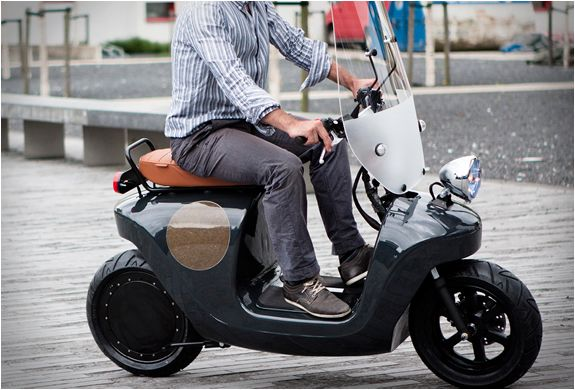 The Be.e electric scooter designed by Dutch firm Waarmakers, is the first biocomposite e-scooter made with hemp, flax, and bio-resin, creating an extremely sustainable, lightweight and strong material. The funky-looking e-scooter comes equipped with a powerful but silent 4kW motor that will get you up to 34mph in 6 seconds, and the fast charging 2.5kWh battery will give you a 38 mile range. T