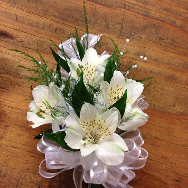 Wedding corsage for Grandmothers