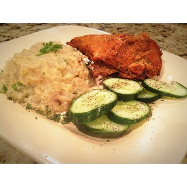 Garlic mash sweet potato with steam chicken and cucumbers at the side