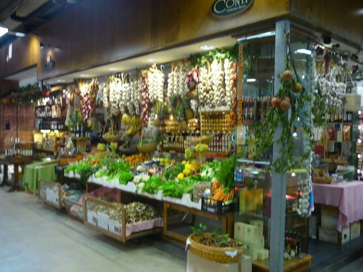 Indoor Food market in Florence.....smells amazing!