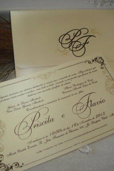Referência Priscila e Flávio, no cintilante pérola com envelope personalizada do monograma das iniciais do casal. VALOR UNITÁRIO ESTIPULADO PARA PEDIDOS DE 100 UNIDS. Entrega para todo o Brasil R$ 8,90