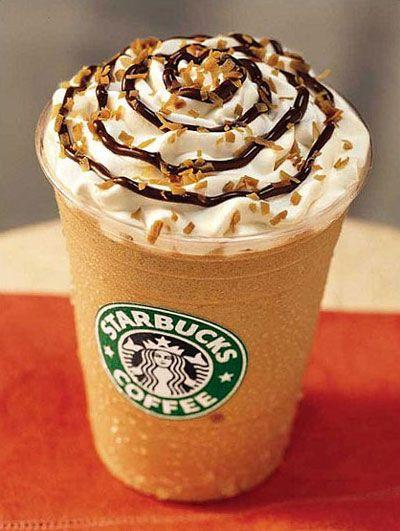 Receita fácil de frappuccino! Substitui os sorvete de creme por de chocolate, aumentando a quantidade dele e diminuindo a quantidade de gele, para ficar mais cremosinho. Easy, easy...