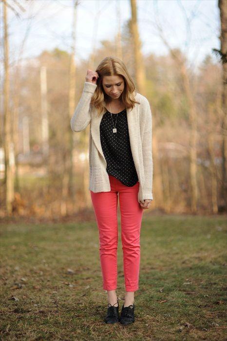 blog: Dots Shirts, Pink Pants, Pants Style, Black Dots, Dots Tops, Colour Pants, Color Pants, Lifestyle Blog, Bright Pants