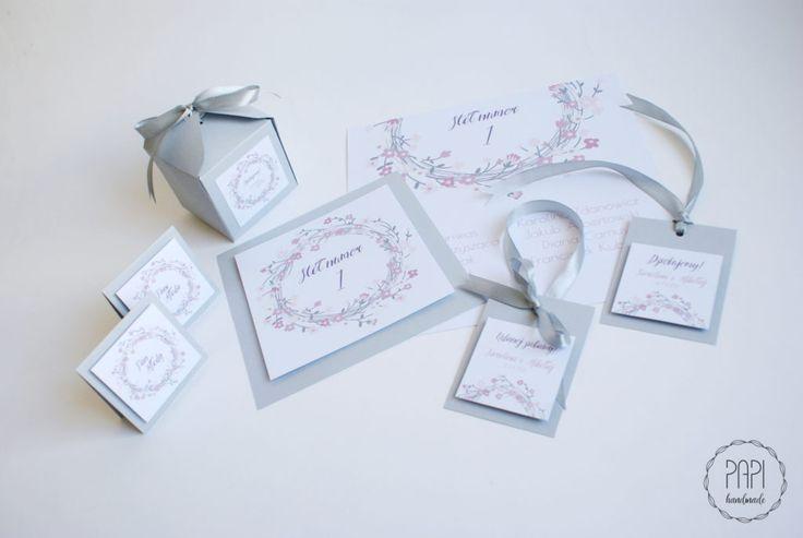 Romantyczny komplet ślubny z kwiecistym wianuszkiem | Kartki ręcznie robione, zaproszenia ślubne handmade Poznań
