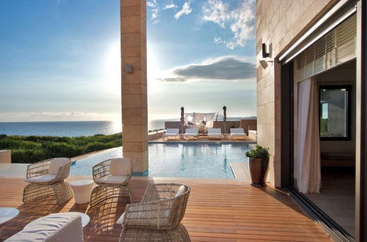 Costa Navarino, A Jewel in the Messinian shore