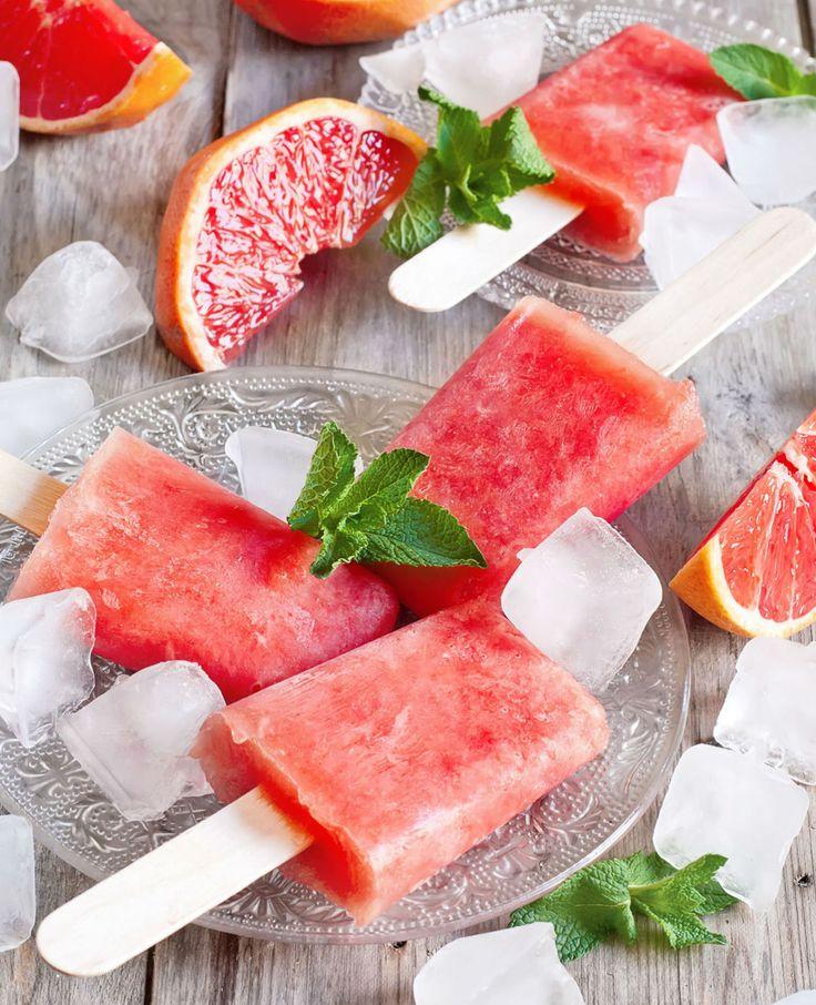 Hou jij ook zo van ijsjes, maar wil je het liefst wel zo gezond mogelijk eten? Dan hebben we een mooie oplossing: zelf waterijsjes maken van fruit! Met dit lekkere weer kunnen we namelijk allemaal wel wat verkoeling gebruiken. Snel en…