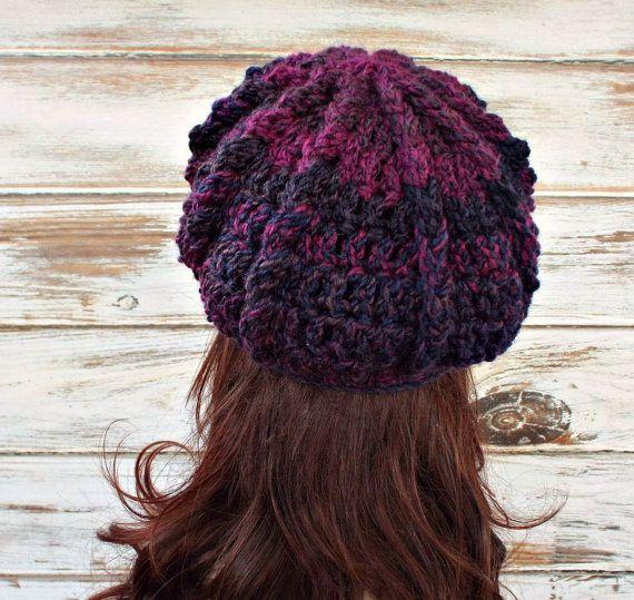 Vendedor de periódicos púrpura sombrero sombrero de mujer