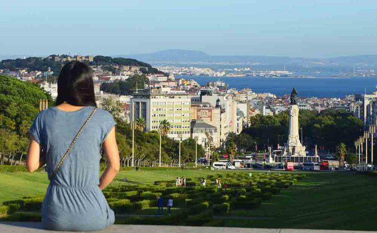 Lisbon for salo travel women's.