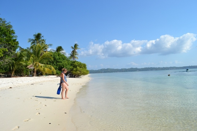white beach hoga island