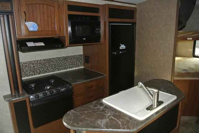 2016 New Jayco WHITE HAWK 25BHS Travel Trailer in Colorado CO.Recreational Vehicle, rv, 2016 Jayco WHITE HAWK25BHS, 30# LP Gas Bottles, Customer Value, Front Molded w/LED Headlights Cap, Glacier Package, Roof Ladder,