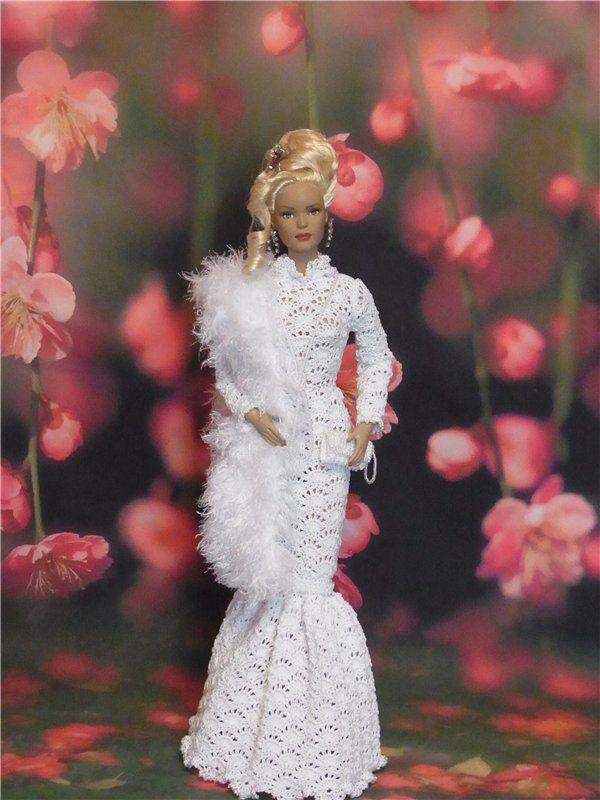 Всем доброго времени суток! Делюсь с Вами новыми работами)) Одеваем кукол Тоннер 16 в вязаные наряды ручной работы))). название к
