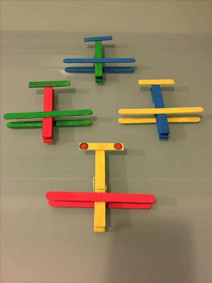 Aeroplani con mollette di legno!