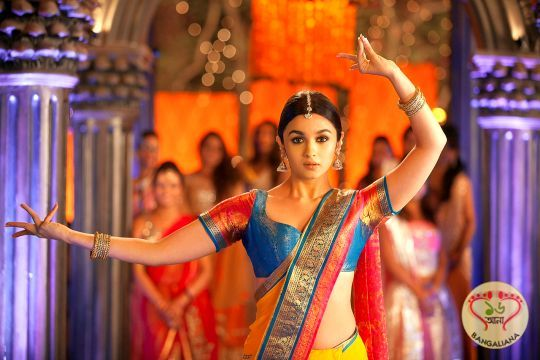 New 2 States Song 'Iski Uski' Released; Movie Releases April 18  http://sholoanabangaliana.in/blog/category/bolly-news/page/3/#ixzz2y7wJUhk3