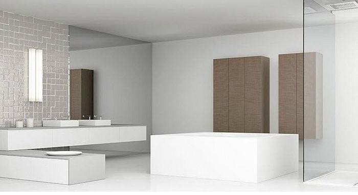 Minimalist bathroom with extra large bathtub and basin _ Delta Mosaik by Doca _
