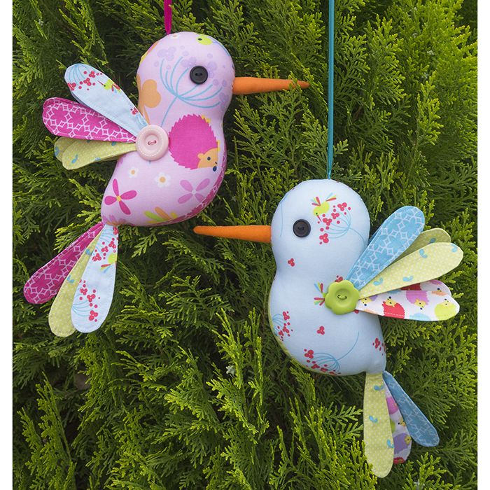 Imagine these sweet birds hanging about everywhere bringing smiles to all! These hummingbirds are perfect for using up those scraps and small fabric pieces.