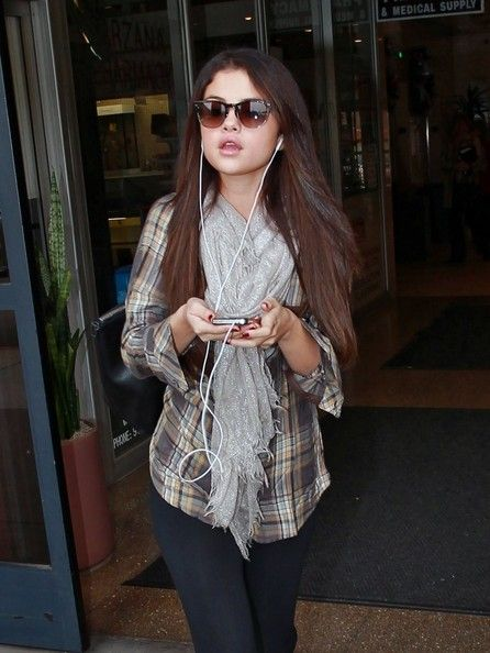 Selena Gomez Stops By A Medical Center in Los Angeles. December 4, 2012.