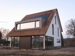 Een dakkapel kan prima gecombineerd worden met zonnepanelen.