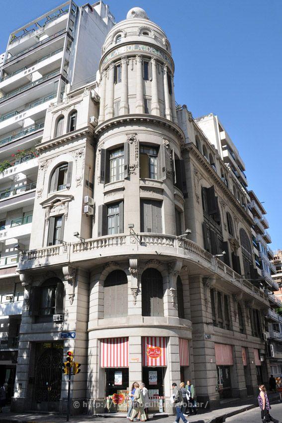 """Edificio """"Bola de Nieve"""" en  Rosario, Prov. Santa fe, Argentina.   -lbk-"""
