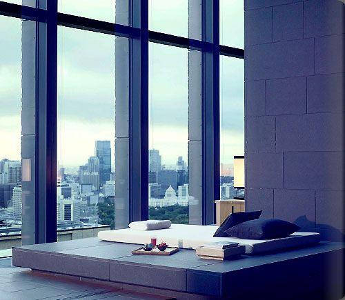アマンリゾーツのグループ初の都市型ホテル「アマン東京」が、東京の大手町ビルの上層階にオープン致しました。世界中のトラベラーが一度は訪れたい憧れの存在である新しい東京のアマンの魅力をご紹介致します。