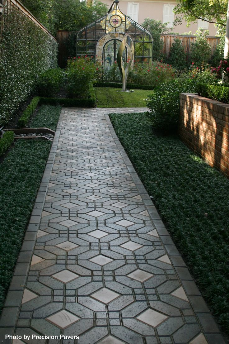 93 best images about Outdoor: Paver ideas on Pinterest | Paver ...