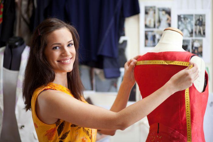 Styliste : Etudes, diplômes, salaire , stage, emploi, formation, rôle, compétences | Carrière Mode