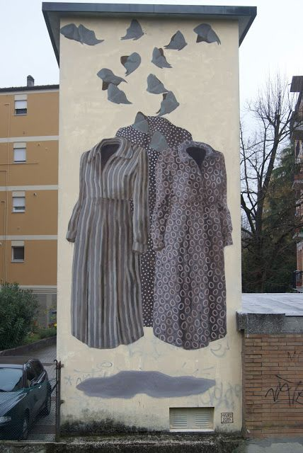 waouh!!!Hyuro, a large mural in Ravenna, Italy