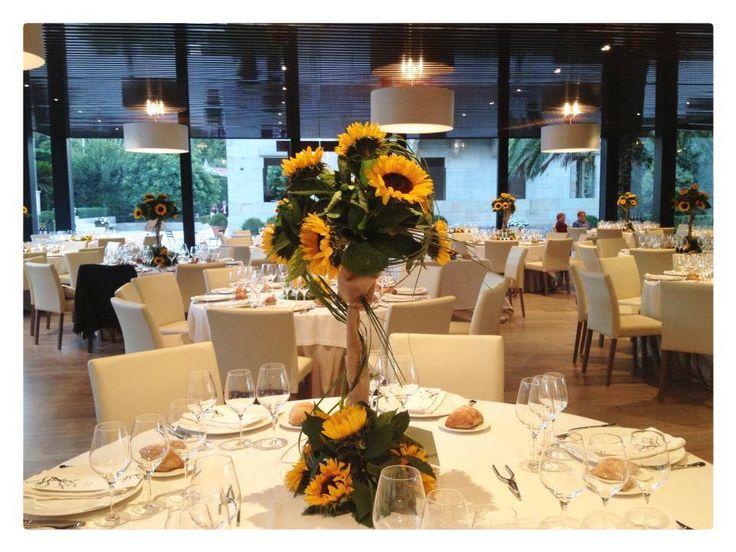 Centro de mesa con girasoles wedding pazo el castri o for Sala girasol