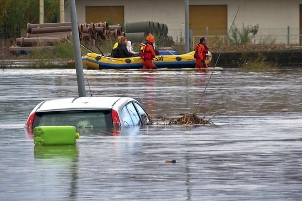 Σε κατάσταση έκτακτης ανάγκης η Σαρδηνία, Τους 18 έφτασαν οι νεκροί από τον φονικό τυφώνα