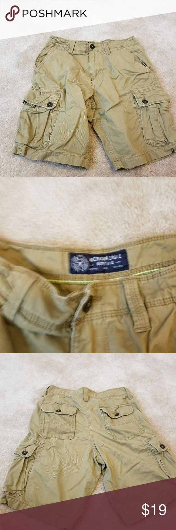 American Eagle Men's Cargo Shorts(light khaki) Like new, pet free and smoke free home American Eagle Outfitters Shorts Cargo
