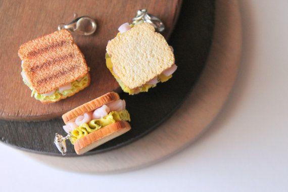 Collar/Llavero sandwich, hecho a mano con arcilla polimerica, joyeria de comida en miniatura