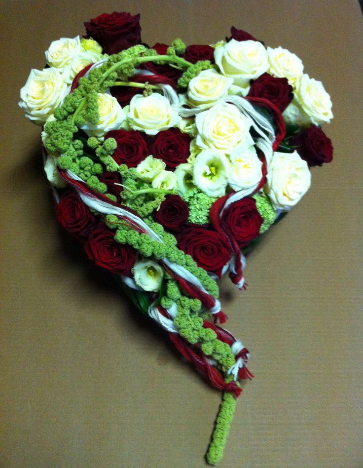 Super Oltre 25 fantastiche idee su Composizioni floreali funebri su  AX19