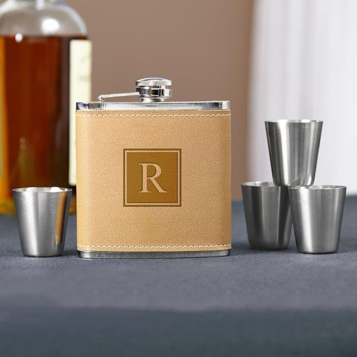 Cocoa Leather Block Monogram Hip Flask Set (tan/v) (Stainless Steel)