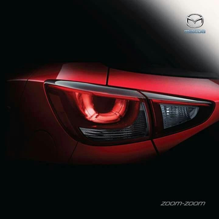 Desain lampu belakang horisontal yang melebar hingga ke pintu bagasi, membawa kesan elegan dan keren. #Mazda #Bandung #Promo 082295000685 (Tlp & SMS) 08987900976 (WA & Line) www.mazdabanget.wordpress.com