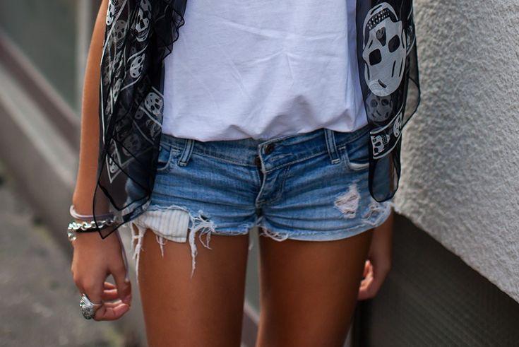 .. ..: Alexander Mcqueen, Fashion, Shorts Shorts, Style, Skull Scarfs, Cutoffs, Scarves, Jeans Shorts, Denim Shorts