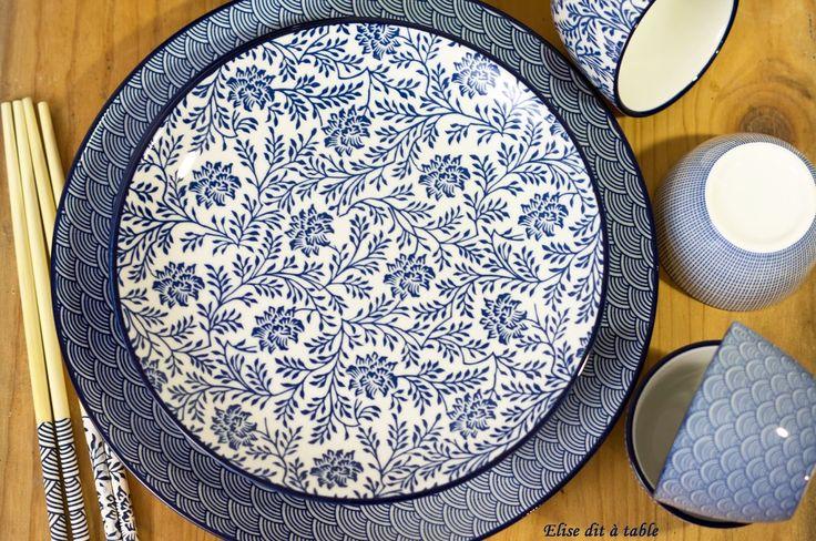 Vaisselle tendance 2017   L'art de la table un art démodé ? Certainement pas! Avec tous ce qu'on nous propose de nos jours et à tous les prix il y a de quoi se faire plaisir pour créer des tables parfaites! Et il y en a pour tous les goûts! Le graphique est très tendance depuis 2016 et le bleu marine et l'indigo sont très à la mode cet hiver. Ard'Time allie le tout pour obtenir ce joli bleu associé au blanc pour créer une vaisselle aux inspirations japonaises qui fera sensation dans nos…