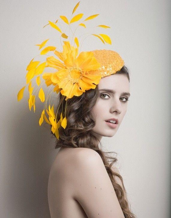 Fascinator giallo Cocktail cappello cappello Derby di ArturoRios