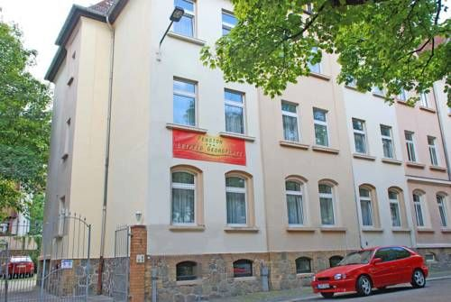 Pension Leipzig Georgplatz Leipzig This guesthouse in the Altlindenau district of Leipzig offers continental breakfast  and great transport links. The city centre is 15 minutes away by tram.
