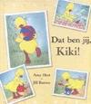 Dat ben jij, Kiki! / Amy Hest en Jill Barton  Het eendje Kiki is erg verkouden. Opa komt op bezoek om Kiki op te vrolijken. Samen bekijken ze foto's van Kiki. Wie is dat kleine eendje dat steeds op de foto's staat?