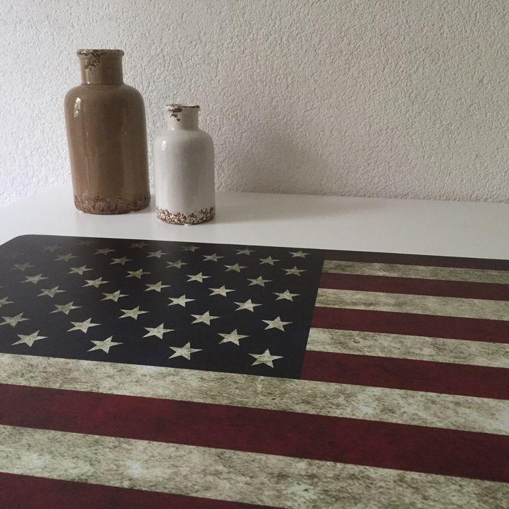 Bureaulegger USA Stoer voor op het bureau van jongens en meiden met een kamer met het thema Amerika.http://www.hippekinderkamers.nl/bureau-onderlegger-usa-amerikaanse-vlag.html