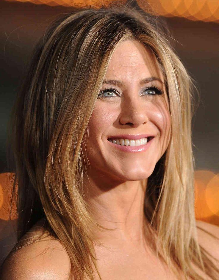 Jennifer Aniston SP/SO6w7*-2w3-9w8 ENFP