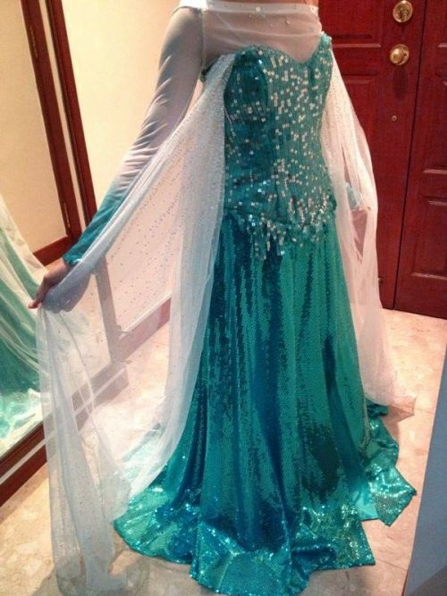 ask-me-princess-anna:  starsapphired:  My Elsa dress to be worn at AFA 2013 next month! I can't wait! :D  (Oh my god it's lovely!)