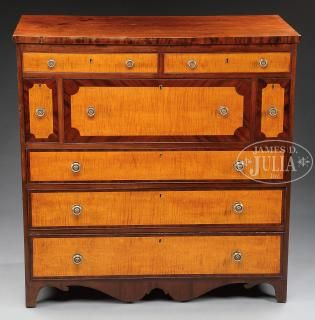 FINE FEDERAL MAHOGANY AND TIGER MAPLE SIDEBOARD.