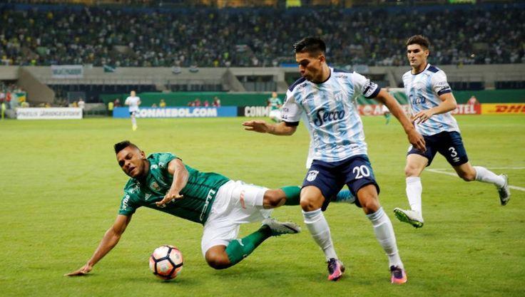 """Atlético Tucumán cayó en Brasil y fue eliminado: El """"Decano"""" se despidió de la Copa Libertadores con la cabeza en alto."""