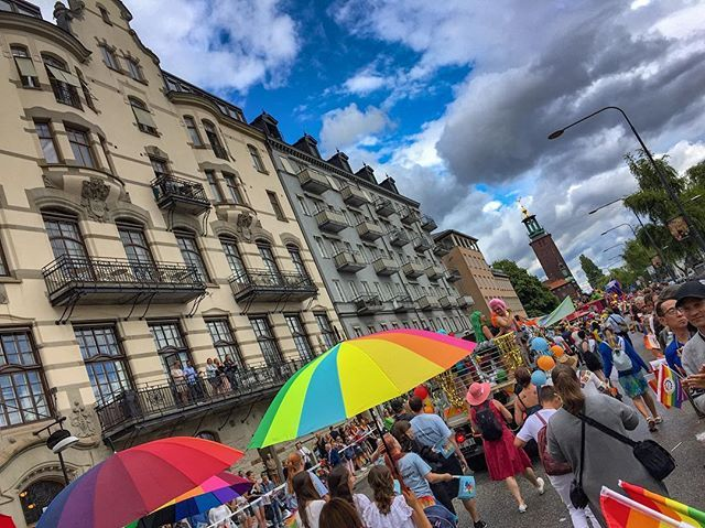 """The diversity  #oldtown #stockholm #sweden #ciudad #thehusbands #mochileros #losmochileros #vloggers #vlogerlife #travelblogger #travelphotography #travellers #esposos #gaypridemonth #gaypridestockholm #stockholmpride #lgbtq #diversity #marido #beardman #gaybro #dude #gay #gaylove #latino #mexicano #stockholm #visitstockholm #gamlastan"" by @lifeof2men. #fashionbloggers #bbloggers #fbloggers #blogs #bblogger #beautyblog #beautybloggers #instagramers #roadtrip #여행 #outdoors #ocean #world…"