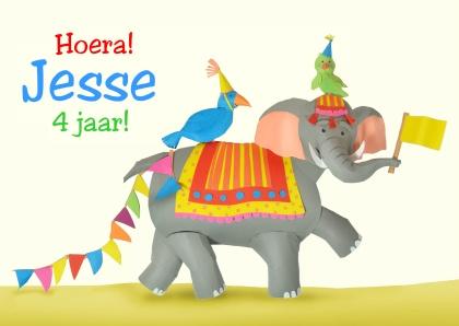 mooie kleurijke kinderuitnodiging met vrolijke olifant