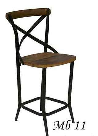 Прекрасный деревянный барный стул с прочным основанием из металла.             Материал: Металл, Дерево.              Бренд: American Interiors.              Стили: Лофт, Прованс и кантри.              Цвета: Темно-коричневый.
